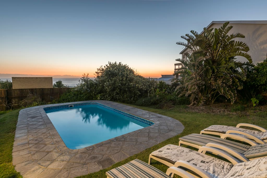 elizabeth house seaside holiday home with pool villen