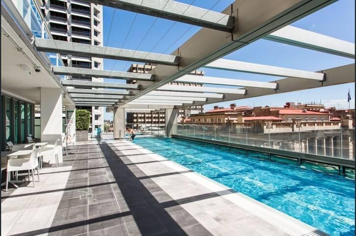 Brisbane CBD 2 BR apartment - FREE Parking, Wifi