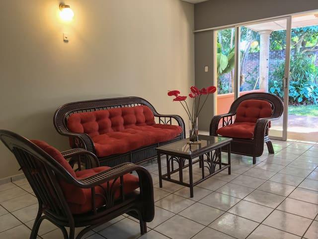 Villa Mendoza -  A spacious retreat in Santa Ana