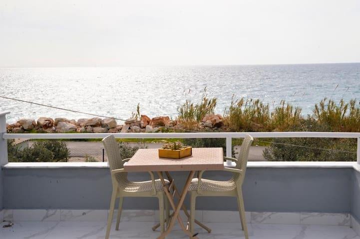 Demre likya evleri / Deniz karşısı müstakil ev