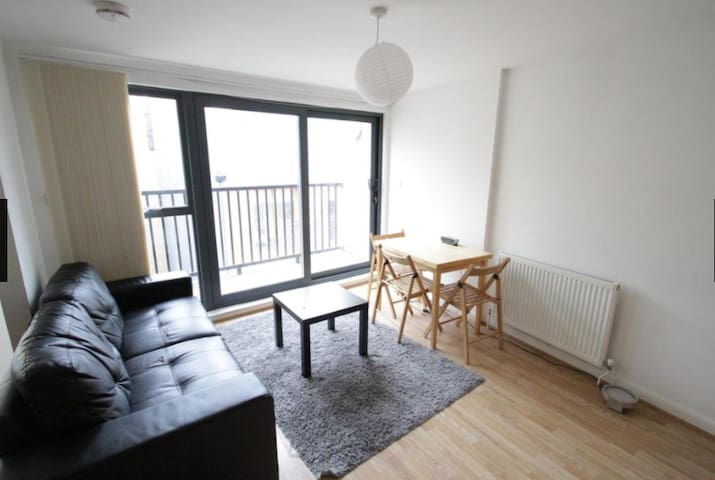 3 Bed Flat Limehouse