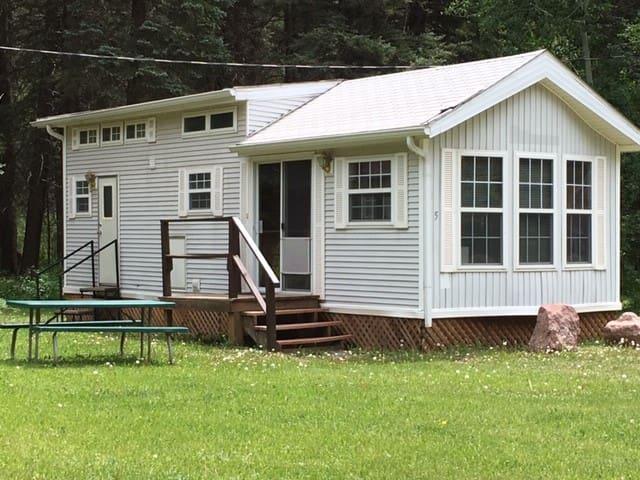 Circle K Ranch - Mountain View Cabin