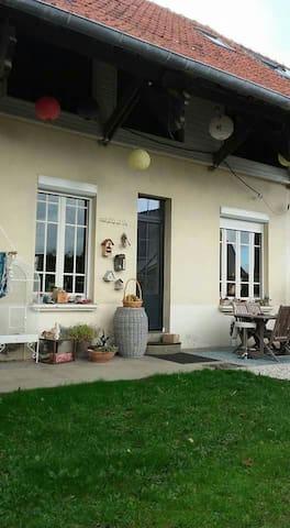 Chambres colorées a500m de la plage - Saint-Quay-Portrieux - Dům