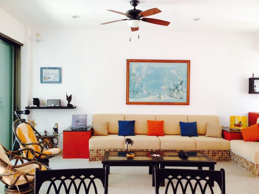 Amplia y confortable estancia