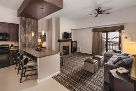 2BRM/2BA*Ski-In/Out-Fireplace+Kitchen+Deck+Jacuzzi