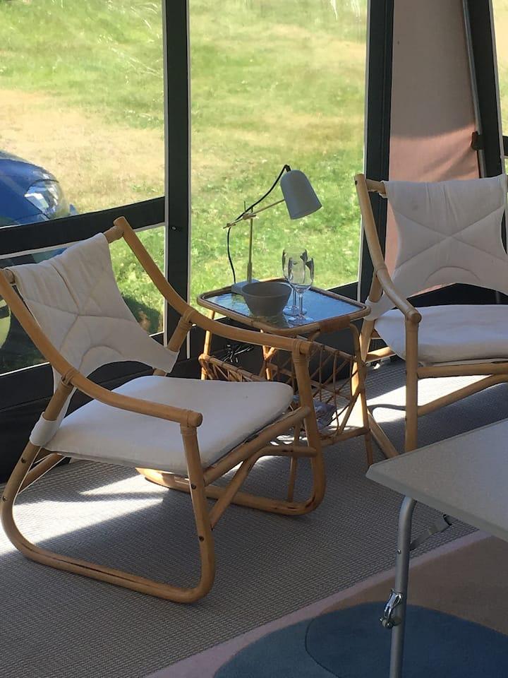 Moderne campingvogn på Justøya bibelcamping