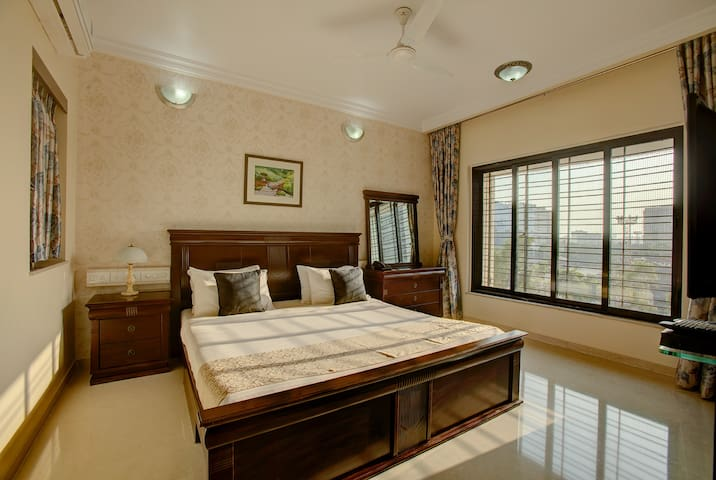 3BHK Service Apartment In Andheri East near NESCO
