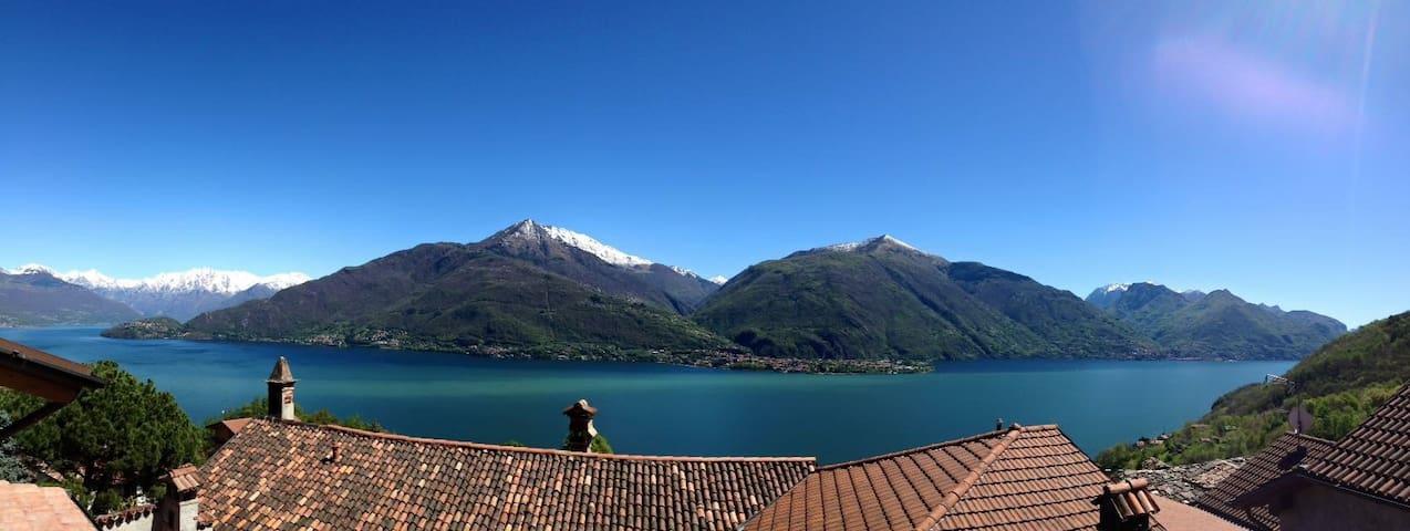 Mansarda vista lago - Vignola - Casa