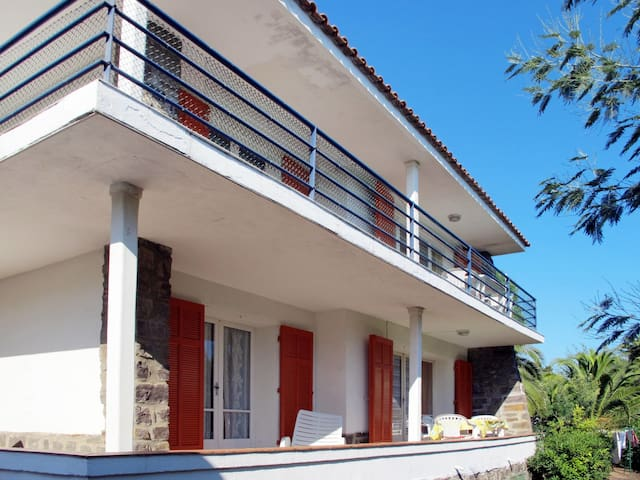 House Villa Chenou for 12 persons