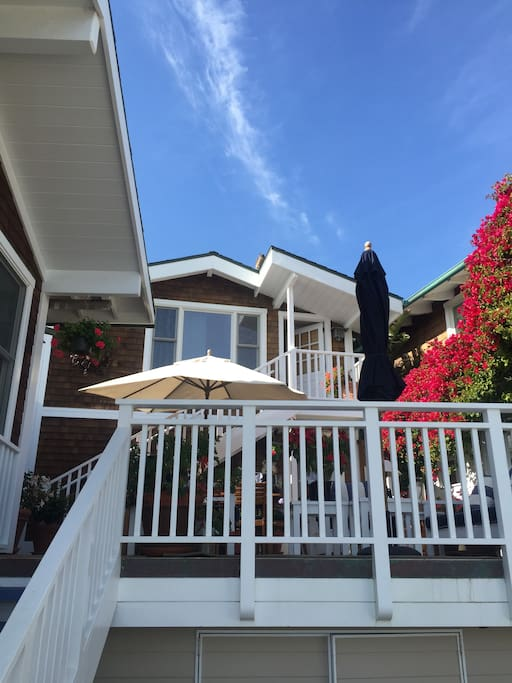 A comfortable hide-away only 12 minutes from Santa Monica.