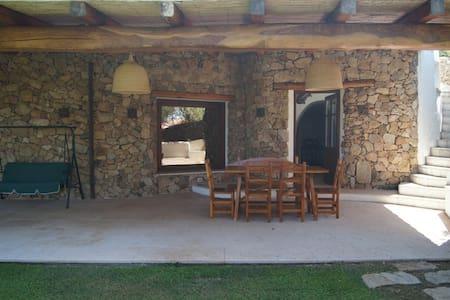 Appartamento indipendente, vista mare,con giardino - Villa