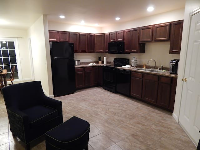 Modern Duplex Apartment in Waterbury Center