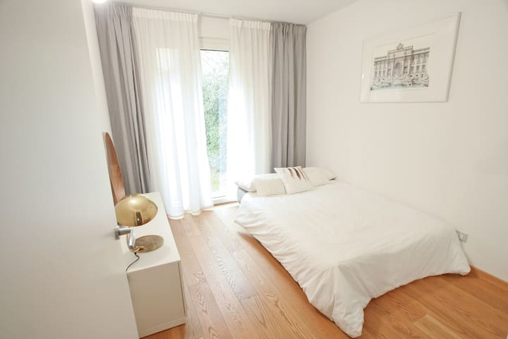 Tortona 10 pvt. garden & bathroom bed & breakfast