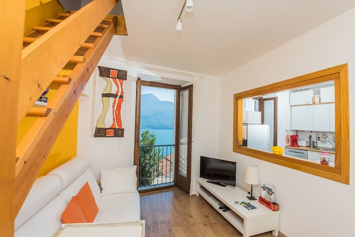 Last minute Lake Como - great view! - Gravedona ed Uniti - House
