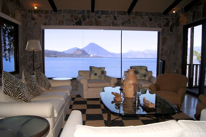 Casa Pamequenyá, house with amazing view!