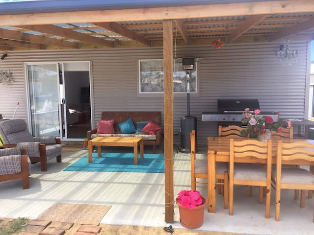 SUNNYVIEW BEACH SHACK (FROM $100.00) per night