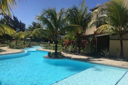 Splendid villa by the beach - Cap Malheureux