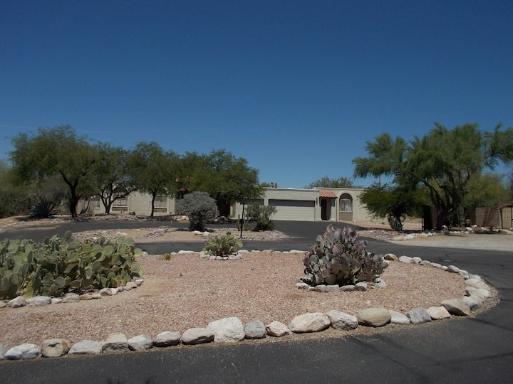 Beautifully Located Catalina Foothills Guest Suite