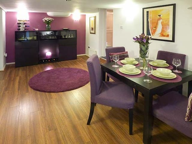 The Garden Retreat @ Birds Nest - Glossop - Apartment