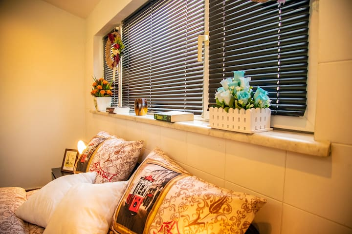 3 Bedroom & Balcony - Dream Hotel & Apartments