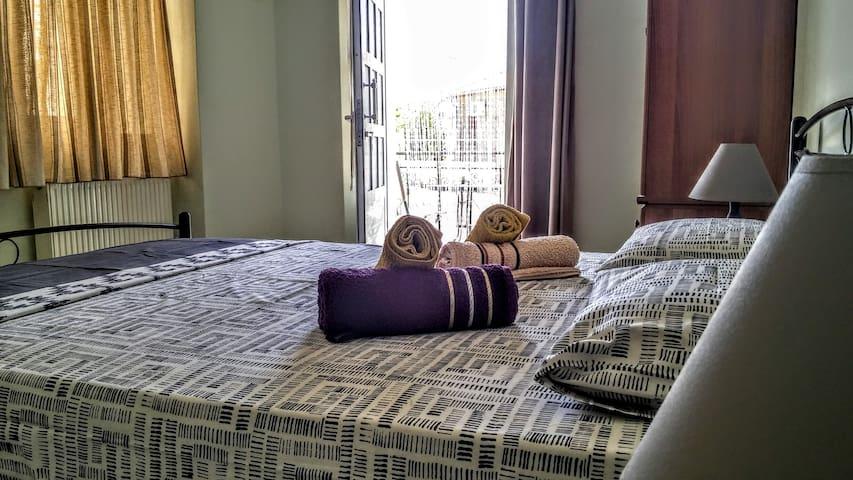 Toula's Garden Apartment