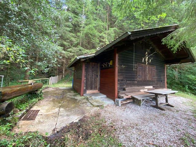 Waldhütte am Attersee, Selbstversorger-Hütte