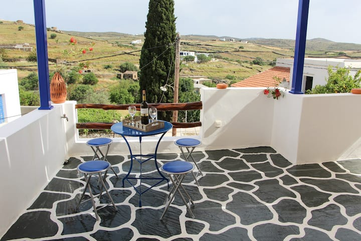 Alexis house avec superbe terrasse Kythnos Chora