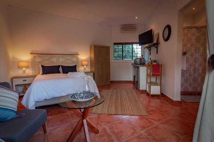 Hippo House Self Catering Cottage