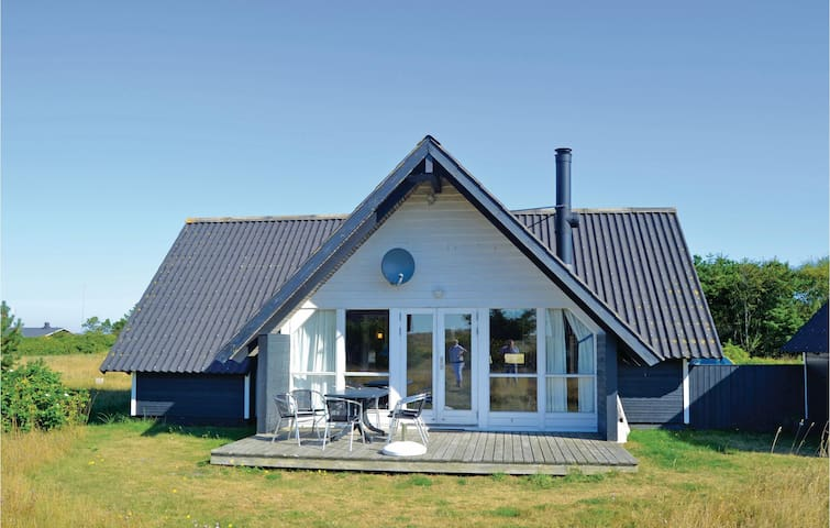 Holiday cottage with 3 bedrooms on 75m² in Skagen