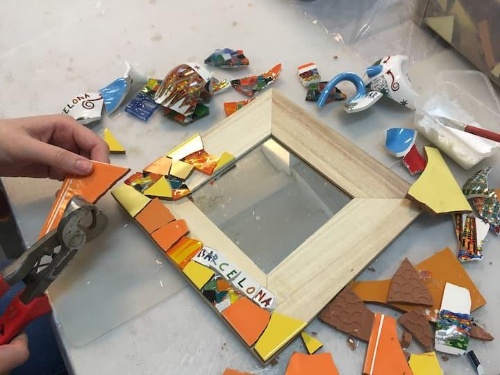 Create your mirror in Gaudís Tecnique