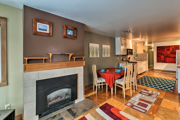 Central Anchorage Condo, Walk to Town & Coast!