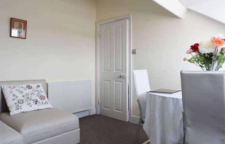 Sitting/dining area