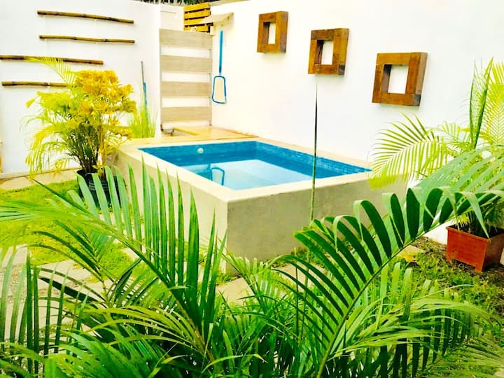 Domus Surf House in Tamarindo down town..