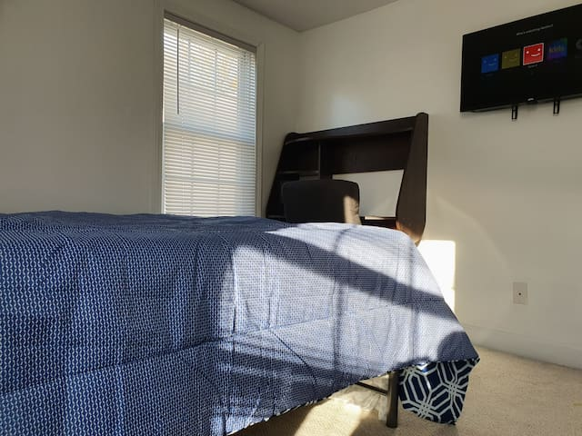 Clean Medford room near Boston/MGH & Surroundings