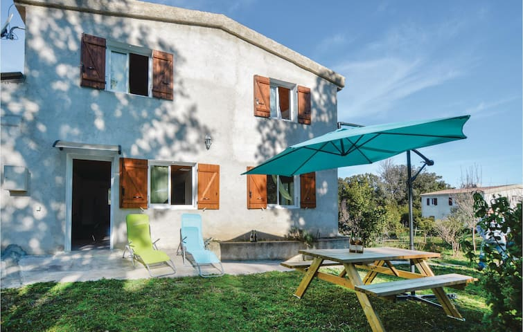 Holiday apartment with 3 bedrooms on 82m² in Cervione