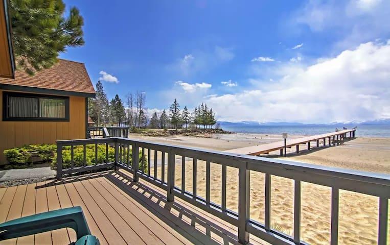 Lakefront 1BR Tahoe Vista Cabin w/Wifi & Deck - Tahoe Vista - Chalet