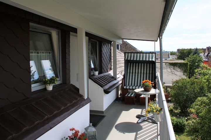Gemütliche Wohnung, Dachgeschoss, stadtnah.