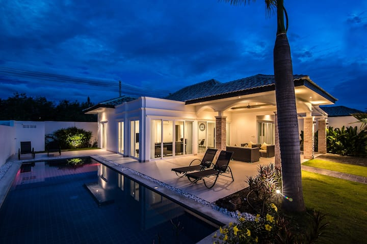 Nice house with privat swimming pool & garden 315