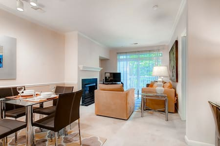 Luxury 1-Bedroom Princeton New Jersey Apartment! - Princeton