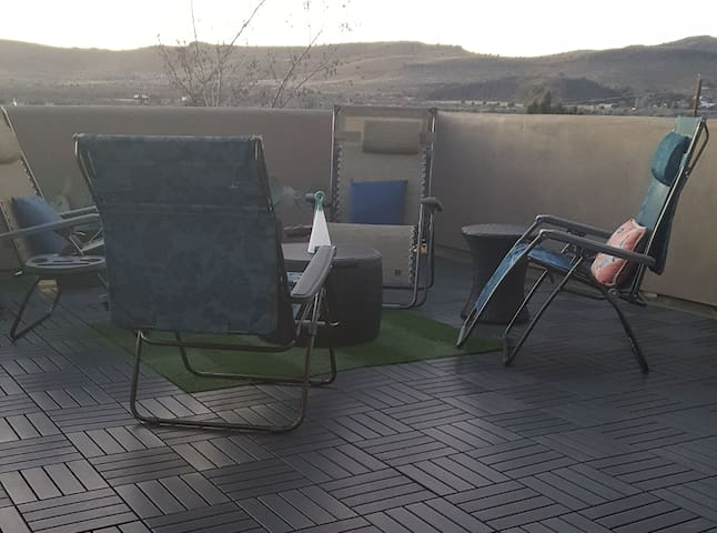 The upstairs deck which you get access to during your stay has views of Blue Mountain and Sleeping Lion Mountain as well as an overlook of town and offers relaxing zero gravity chairs ideal for sunbathing or star gazing.