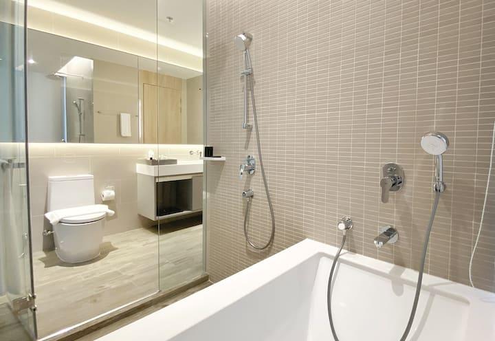 One Bedroom Deluxe @Oakwood Suites Bangkok