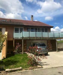 Village apartment, 17 mins from Lausanne centre