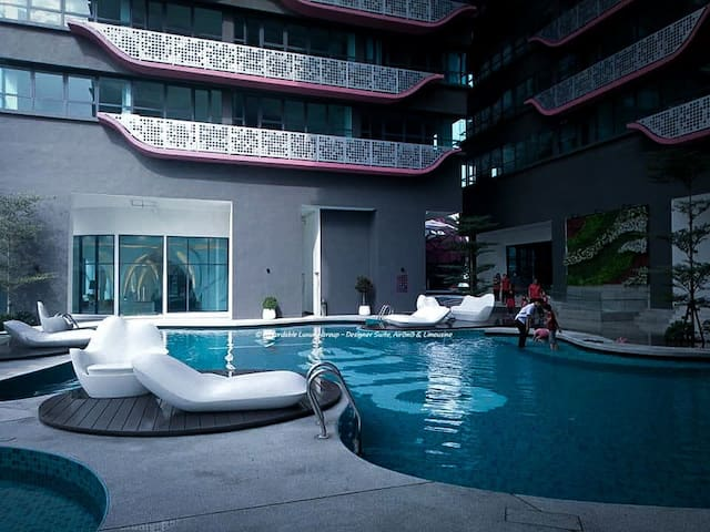 Swimming pool at lobby level