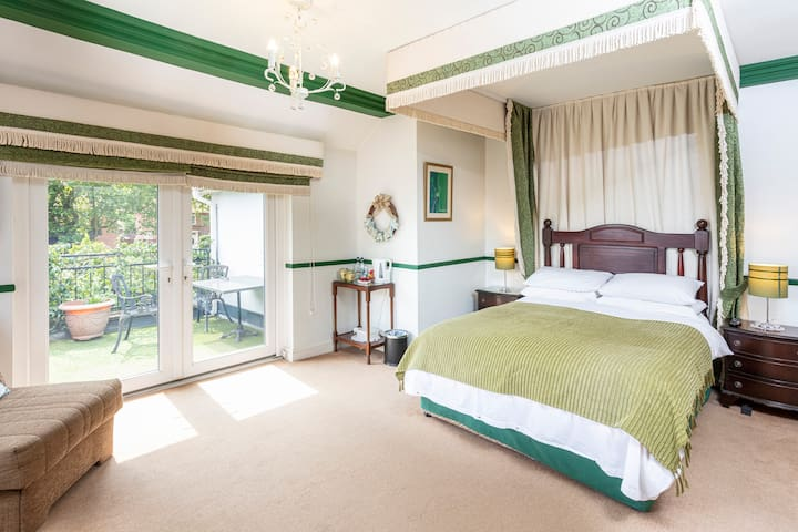 Deluxe Double Room with Balcony in Boutique B&B