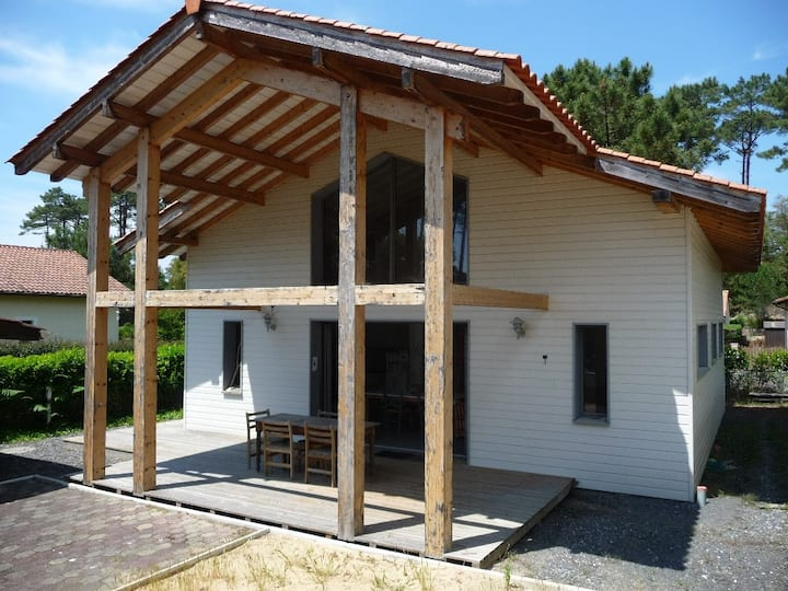 Pleasant house 1.5 km from Messanges beach