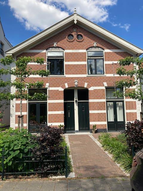 Prachtig vrijstaand huis met heerlijke zomertuin