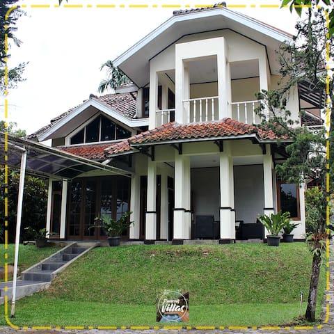 Puncak villas management (villa Atiqah) (A31)