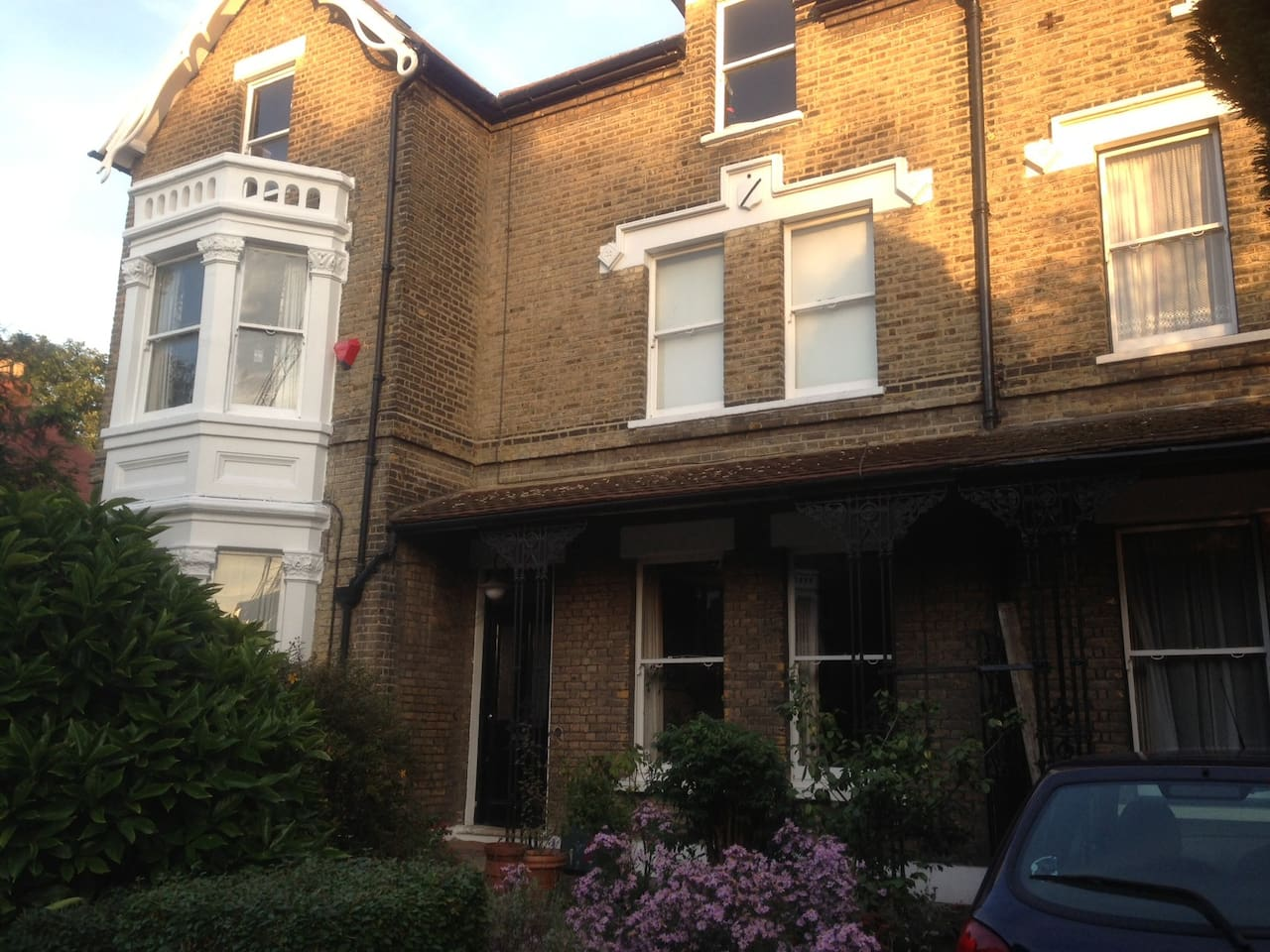come to stay at the the beeches in royal greenwich apartments