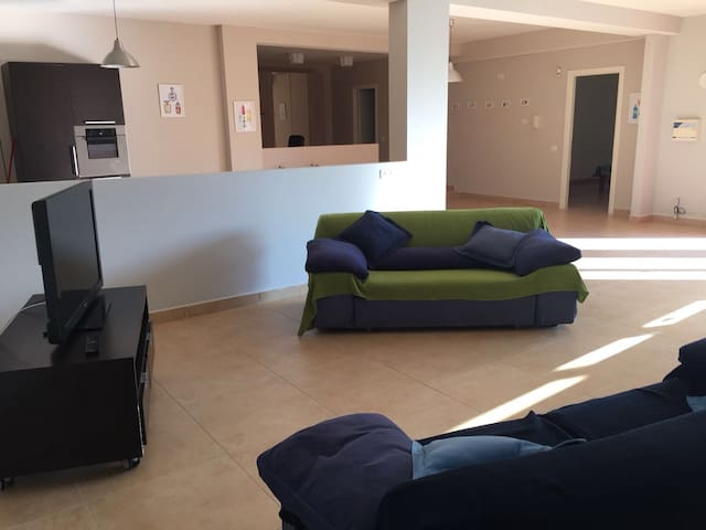 Large and modern room 30 minutes far from Rome