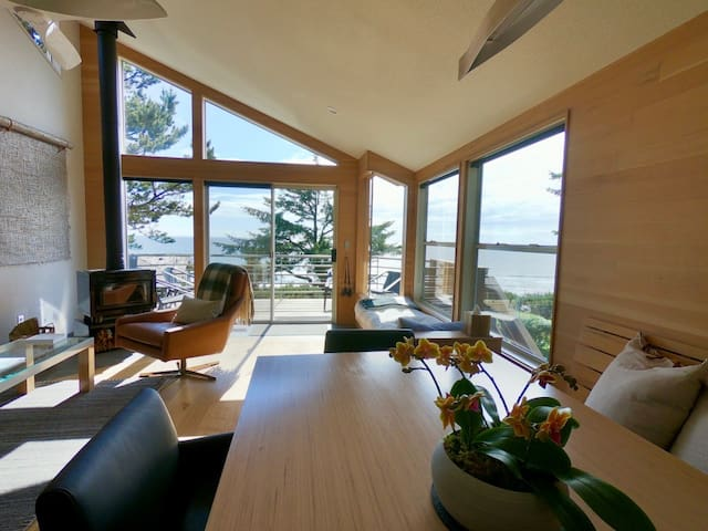 Seacliff by Coast Cabins.  MCA 1056